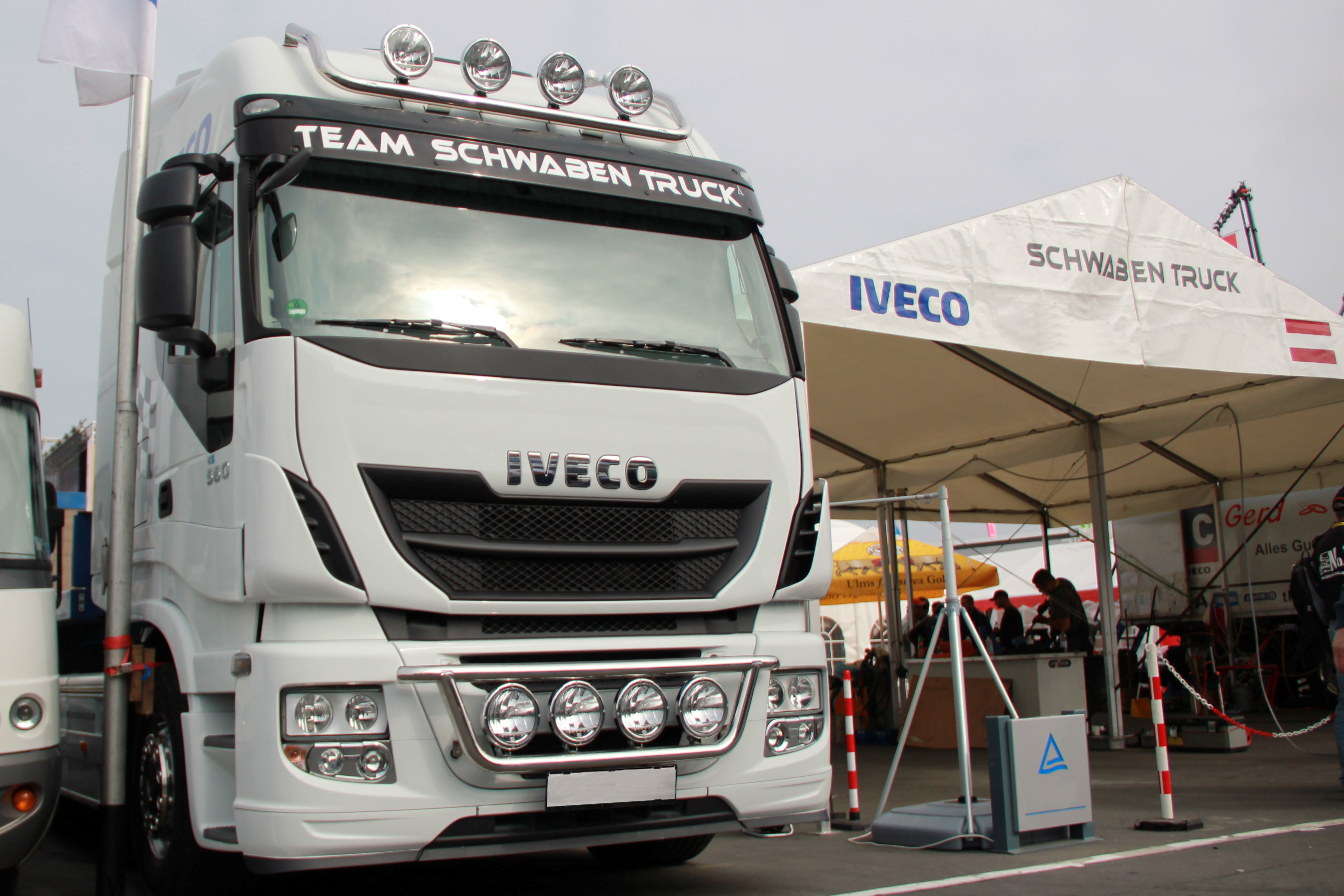 RAMPE CALANDRE IVECO STRALIS AS/AT non cablée
